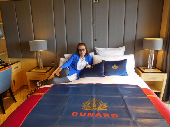 VC on QM2 bed2
